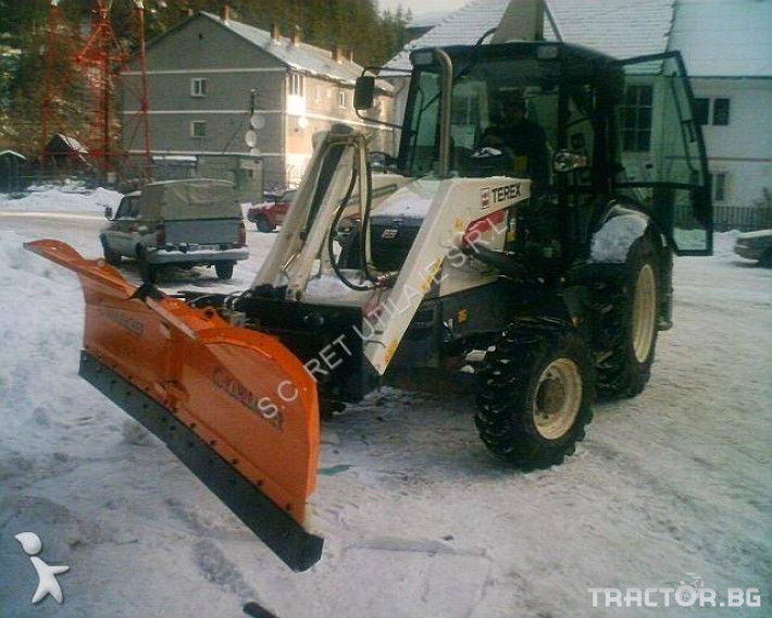 Техника за почистване Снегорин за комбиниран багер 2 - Трактор БГ